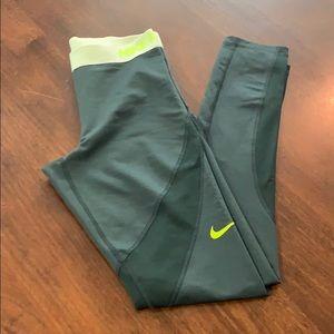 Nike pro hyper warm workout leggings